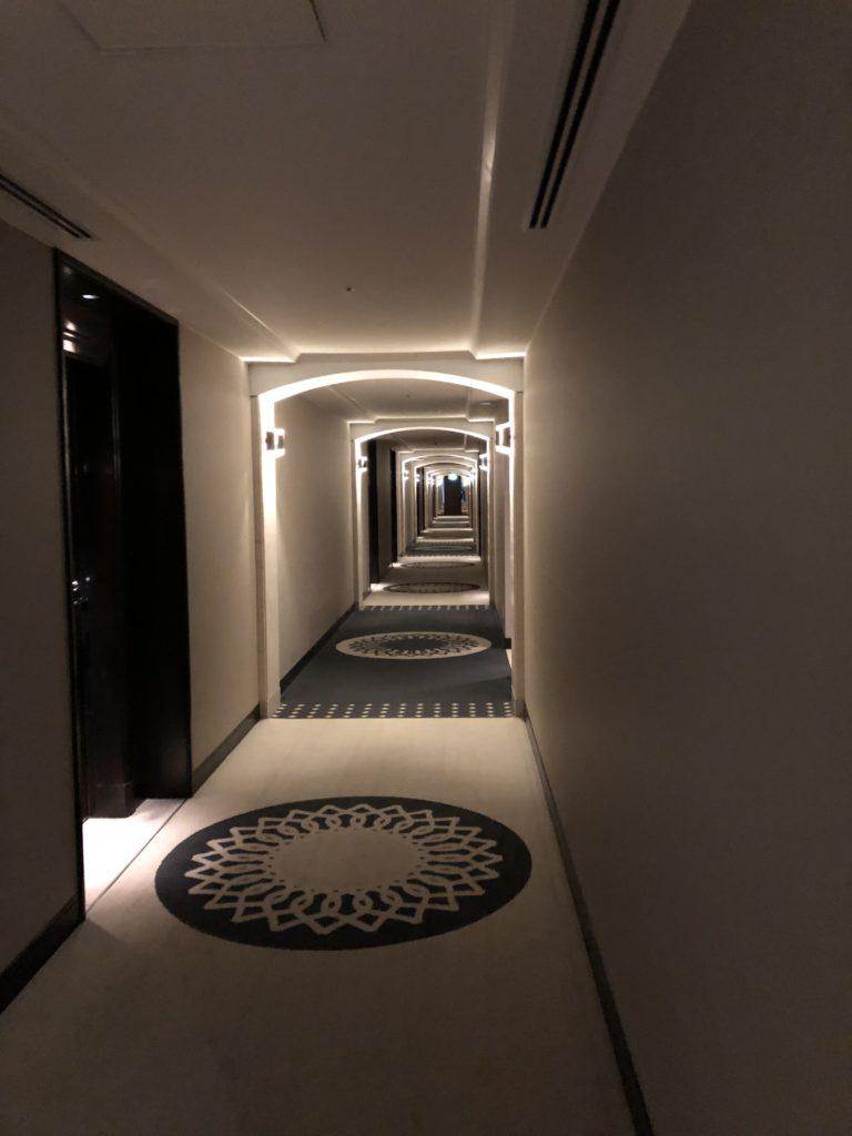エクシブ京都 部屋までの道 廊下