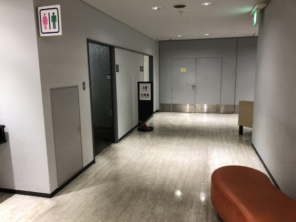 大阪南港あそびマーレ 4階トイレ前